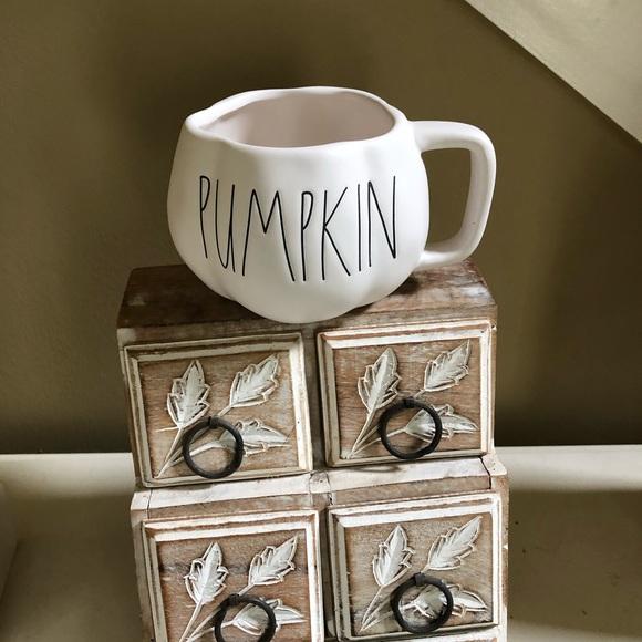 NWT Rae Dunn PUMPKIN mug
